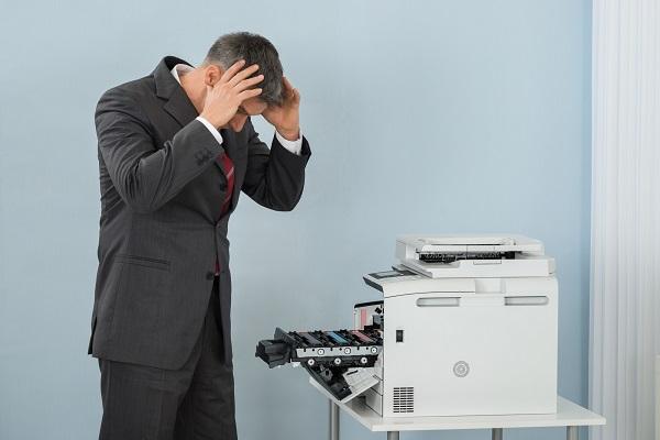 Quý khách hãy nghĩ ngay đến việc bán máy in cũ khi máy thường xuyên trục trặc, không đạt năng suất in